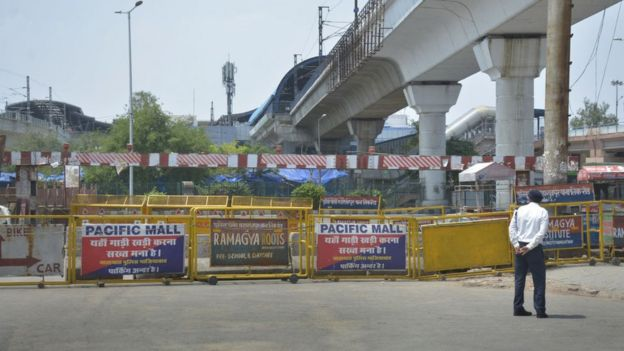Police barricades blocking the way at the Delhi- Uttar Pradesh border at Kaushambi on April 21, 2020