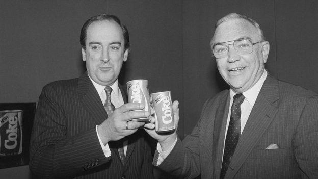 Donald R. Keough y Roberto Goizueta