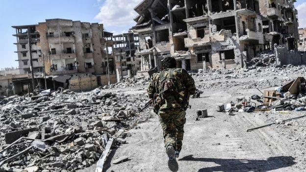 Rakka'daki YPG güçleri
