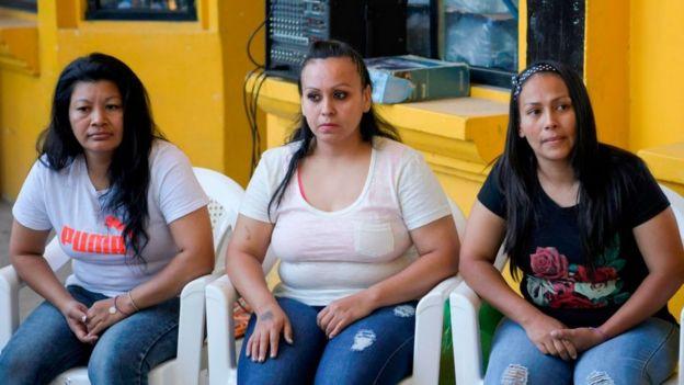 María del Tránsito Orellana (L), Cinthia Rodríguez (C) and Alba Rodríguez pictured before their release