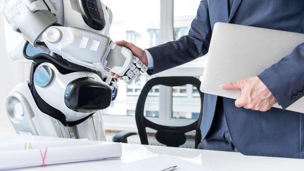 robot iş adamı