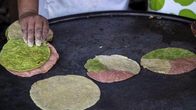 El Joven Que Comenzó A Vender Tortillas Mexicanas Sin Grano