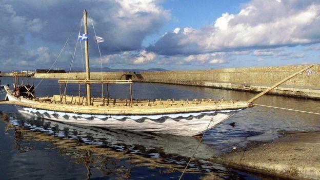 اقتصادهای برنز وابسته به کشتیهایی مانند این برای تامین کالاهای لوکس، و همچنین شیشه، قلع و مس بودند
