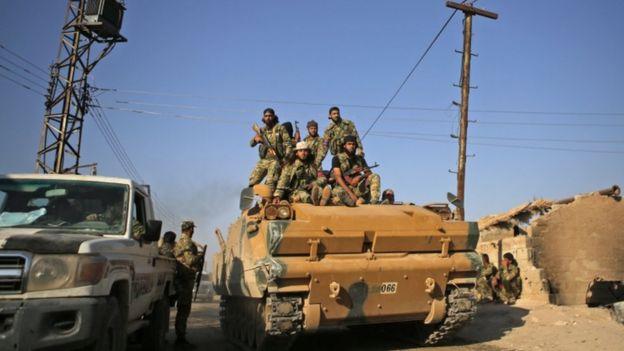 نیروهای مورد حمایت ترکیه در نزدیکی تل ابیض