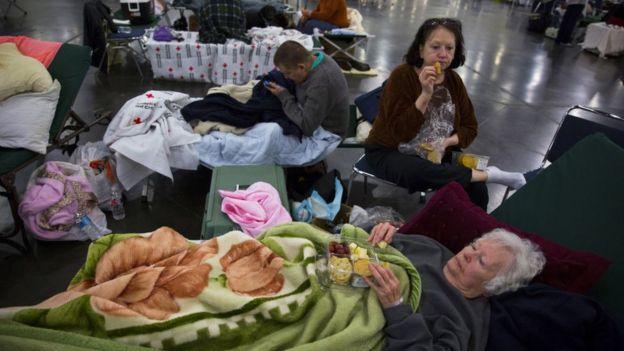 Miles de personas han debido ser trasladadas a albergues improvisados.