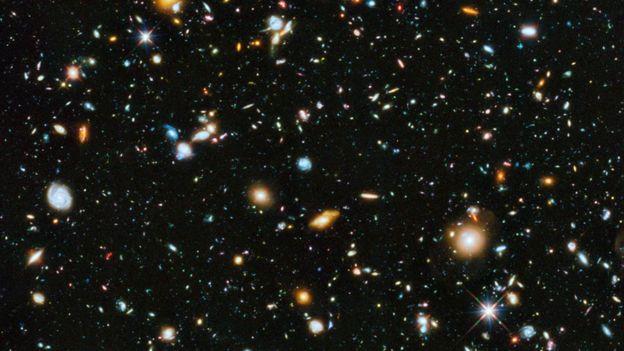 Imagen del espacio profundo captada por el Telescopio Espacial Hubble