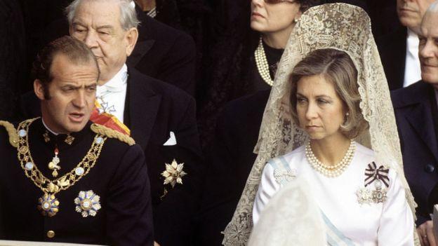 Los reyes Juan Carlos y Sofía, en El Vaticano, en 1978, en el funeral de Pablo VI.