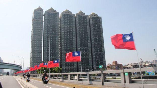 國民黨執政的新北市號稱是掛出國旗最多的城市,其他城市對掛國旗似乎不如新北市熱烈。