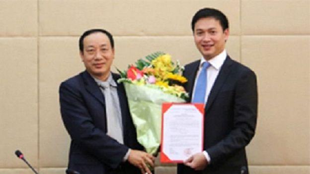 Ông Nguyễn Xuân Ảnh (bên phải) là con trai thứ của cựu ủy viên Bộ Chính trị Nguyễn Văn Chi
