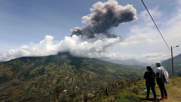 Volcán cenizas