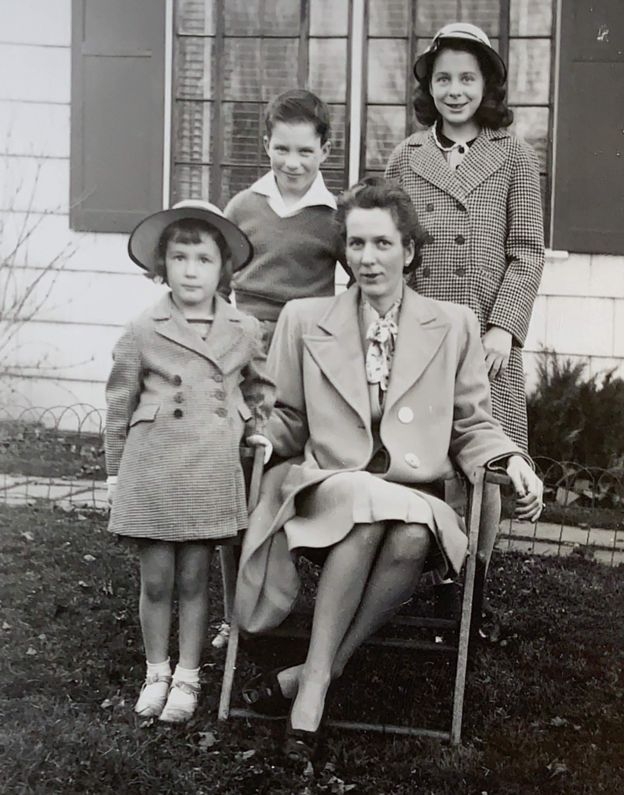 Frances Talbott Miller with her three children, Jane, Emily and Richard