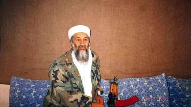 Osama bin Ladendalam foto tahun 2001