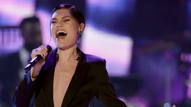 Jessie J wins China singing talent show contest - BBC News