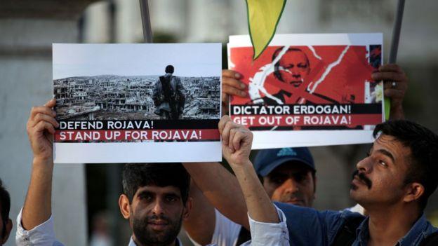 Atina'da Türkiye'nin Suriye operasyonuna karşı protesto düzenlendi
