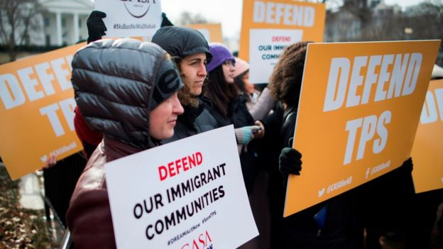 Immigrants and activists protest near the White House to demand that the Department of Homeland Security extend Temporary Protected Status (TPS) for more than 195,000 Salvadorans on January 8, 2018 in Washington, DC