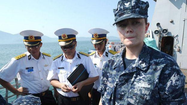 Tàu hải quân Mỹ thăm Đà Nẵng năm 2012: Quốc phòng Việt Nam và Mỹ tăng cường hợp tác những năm qua