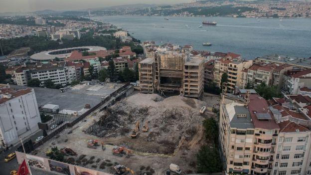 Atatürk Kültür Merkezi yıkıldıktan sonra bölge havadan böyle gözüküyor