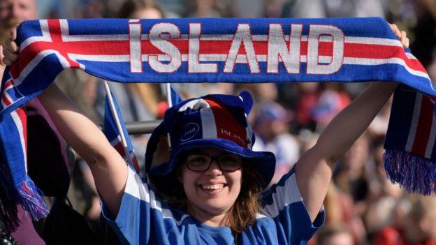 雖然人口規模極小,且沒有深厚的足球文化底蘊,但冰島還是躋身俄羅斯世界杯決賽圈,是本屆世界杯最小的參賽國家