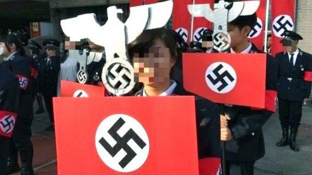 光復中學高中部學生2016年12月23日校慶時以納粹為變裝主題。