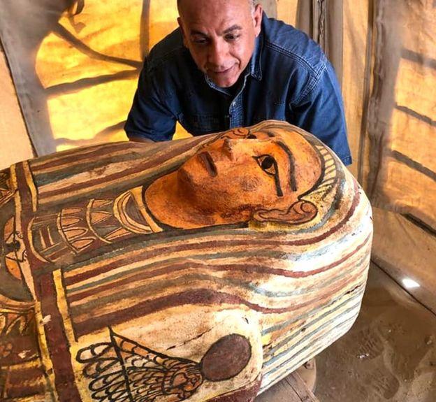 Деревянный саркофаг в Саккаре