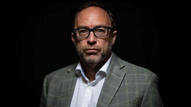 retrato de Jimmy Wales em 2019