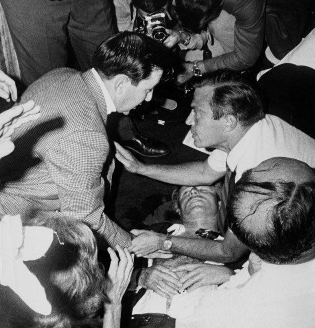 攝影記者的羅納特·本內特幫助制伏了刺殺羅伯特·肯尼迪的槍手。