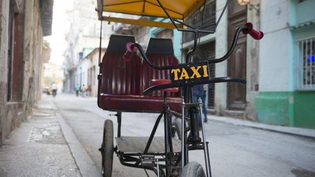 Bicitáxi em Havana, Cuba