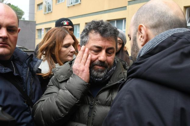 Alessio Feniello (C), the father of Stefano, one of the 23 missing persons, talks to journalists outside the Pescara hospital, central Italy, 23 January 2017