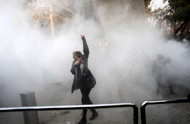 В протестах участвует множество иранских студентов