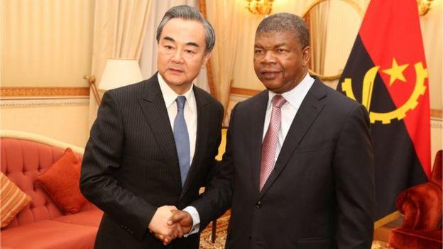 中國外長王毅訪問安哥拉,較早前會見總統洛倫索。中國長年耕耘非洲,並在非洲論壇上給予非洲各國合作機會。