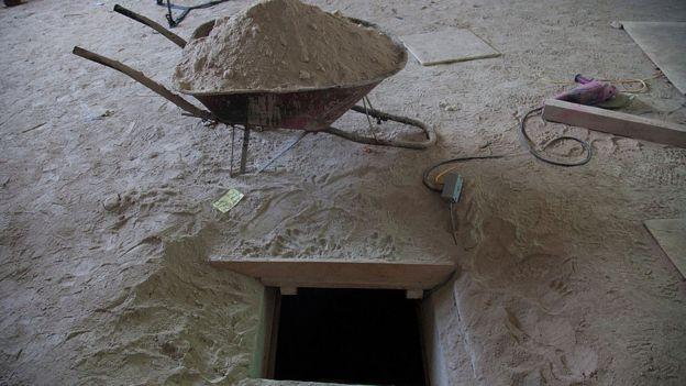 Túnel por el que huyó El Chapo Guzmán