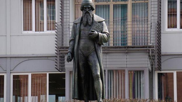 تمثال غوتنبرغ