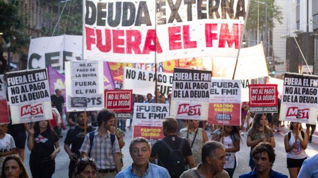 Protesta en Argentina contra el FMI.