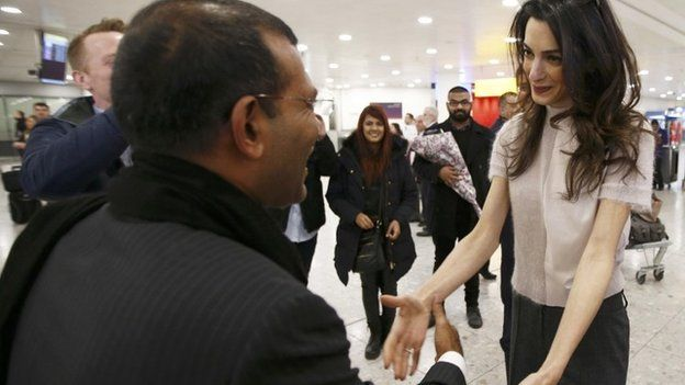 Amal Clooney greets Mohamed Nasheed at Heathrow airport, 21 January 2016