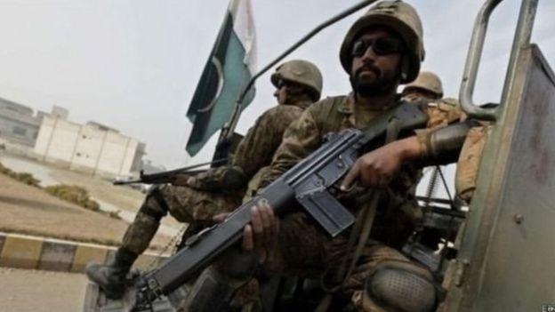 पाकिस्तानी सुरक्षाकर्मी
