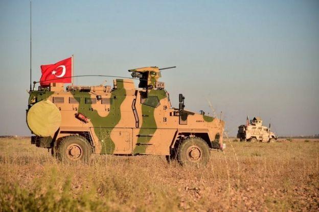 Menbiç'te ABD ve Türk askeri ortak devriye yapıyor.