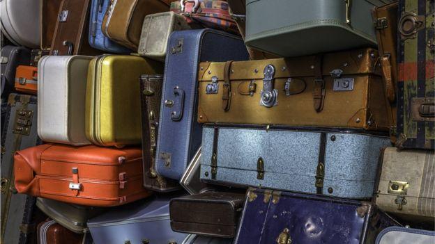 Her yıl binlerce sahipsiz valiz açık artırmayla satılıyor
