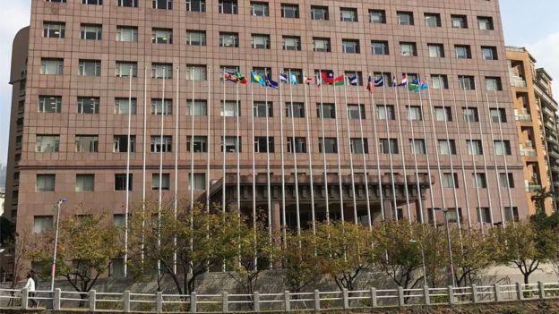 大部分台灣邦交國的大使館都集中在一棟大樓中。