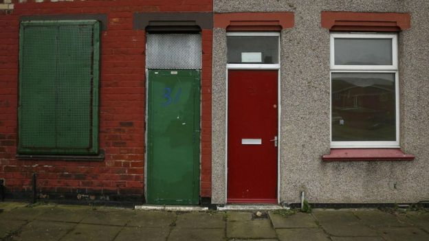 Red front door in Middlesbrough : council doors - pezcame.com