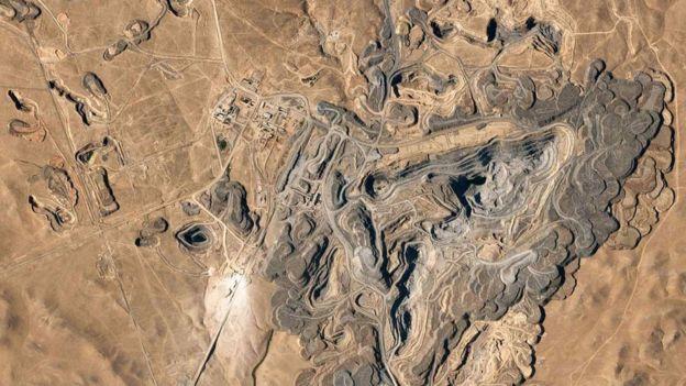 Mina de ouro no Uzbequistão