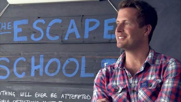 El cofundador de la empresa Escape the City Dominic Jackman