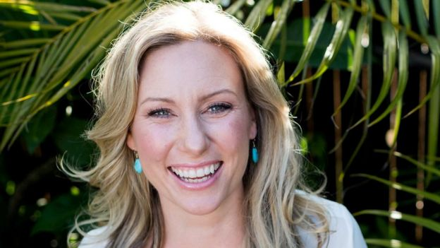 60700c3252 Justine Damond: US city of Minneapolis pays family $20m - BBC News