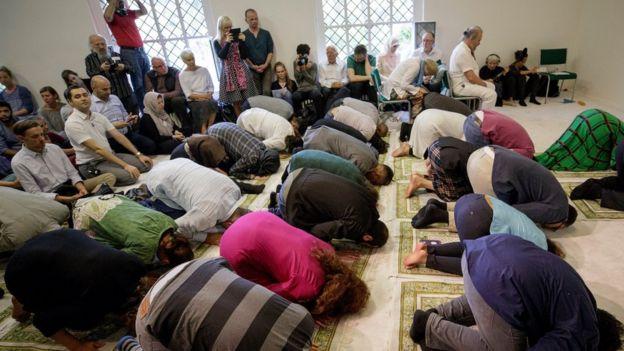 Masjid ini baru dibuka untuk salat Jumat.