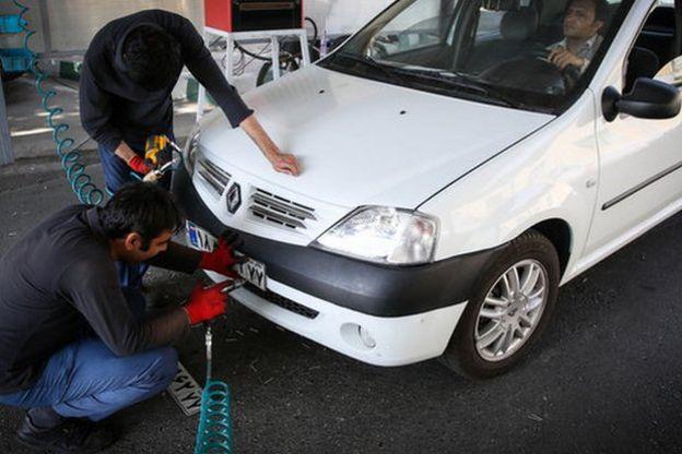 سال گذشته تعداد خودروهای نویی که پلاک شدند حدود چهل درصد کاهش داشت