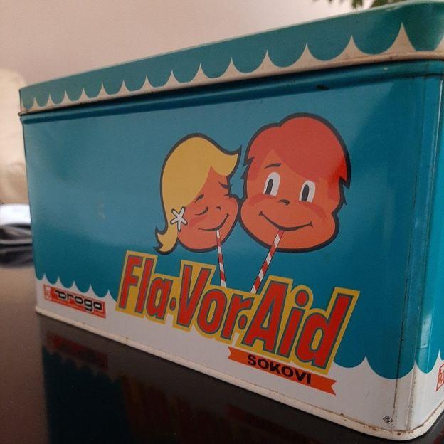 Metalna kutija za sok Fla Vor Eid.