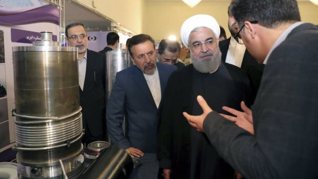 Президент Ирана Хассан Роухани на выставке ядерных достижений Ирана в 2018 году