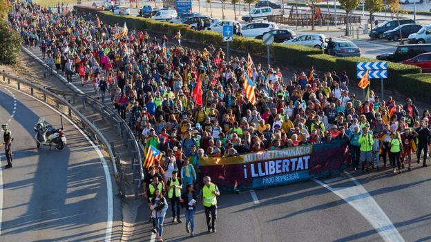 Демонстранты требуют освобождения лидеров движения за независимость