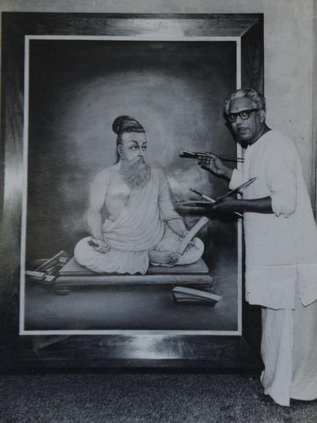 தான் வரைந்த திருவள்ளுவர் படத்துடன் கே.ஆர். வேணுகோபால் சர்மா.