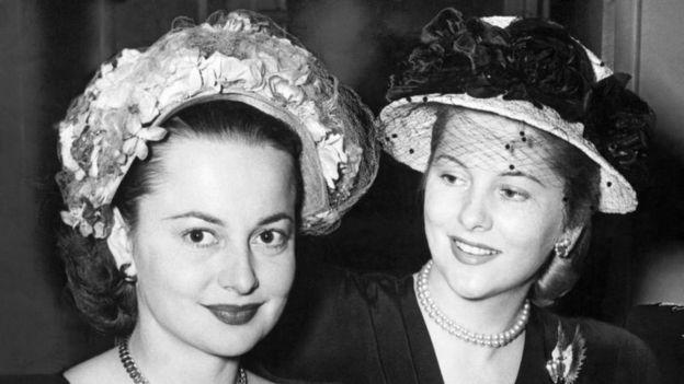 الیویا دوهاویلند و خواهرش جون فونتین (۱۹۴۸)