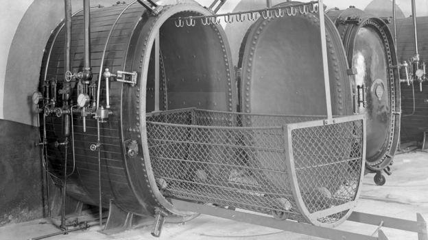Calderas de desinfección que se utilizaban a principios del siglo XX.